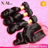 Onda frouxa do cabelo indiano do Virgin com fechamento 3 pacotes com os produtos de cabelo da benevolência do fechamento com Weave barato do cabelo humano do fechamento
