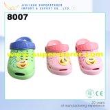 Kids Two Tone Double Color Children EVA Cartoon Garden Obstruções Sapatos com encantos