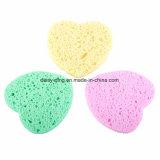 Garniture de nettoyage faciale de nettoyage normale de feuilleté d'éponge de cellulose de forme de coeur d'éponge de pâte de bois de forme de coeur pour le lavage