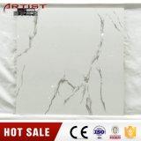Calacattaの白い光沢のある白い艶をかけられた磁器の床タイル