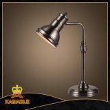 Lampada industriale della Tabella dell'annata del ferro per il Ministero degli Interni dell'hotel (KMBS9097)