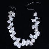 Forma de pétalo de hilo de perlas de agua dulce de 16 pulgadas