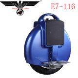 """E7-116 escolhem a motocicleta elétrica da roda/um """"trotinette"""" elétrico da roda"""