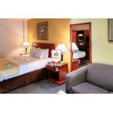Mobilia semplice della camera da letto dell'hotel di disegno moderno con il blocco per grafici di legno solido