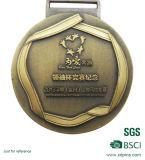 習慣3Dマットの金の締縄が付いている連続したスポーツメダル