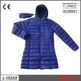 カスタマイズされた卸し売り軽量のパッディングレディース冬のジャケット