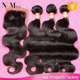7Aバージンの束が付いているブラジルの人間の毛髪の絹の基礎閉鎖、ボディ波の加工されていない毛の拡張絹の閉鎖が付いている3束