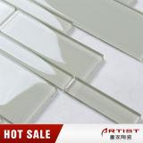 Mattonelle di pavimento materiali di vetro della stanza da bagno del mosaico di colore bianco