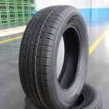 flacher Reifen des Auto-245/30zr20, der Reifen-Autoreifen läuft