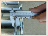 중간 의무에 의하여 직류 전기를 통하는 비계 조정가능한 강철 버팀대 또는 건축 및 건물