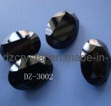 Schwarzer Kristallglas-Stein in ovalgeschnittenem (3002)