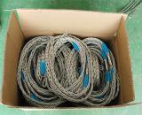 Tirando del Cable malla frente a 2 jefes