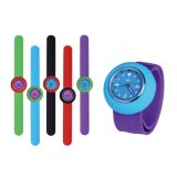 Los niños de silicona ajustable impermeable reloj de pulsera de cuarzo bofetada