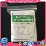 Trois médicaux remplaçables bandage triangulaire
