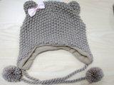 Chapeau tricoté coloré de la mode des enfants avec l'aileron et les écharpes et les gants