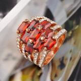Ring van de Halfedelsteen van het Ontwerp van de Ring van de Band van de Vinger van de Vrouw van de Juwelen van de manier de Robijnrode