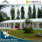 Tente de luxe blanche en gros d'écran de noce avec des garnitures et des rideaux