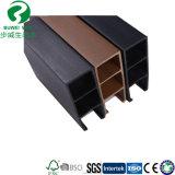 Une ligne en bois plus verte moulage de plafond de WPC de WPC