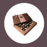 초콜렛 최신 각인을%s 가진 서류상 선물 상자 또는 판지 상자
