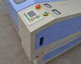 Tagliatrice materiale automatica del cuoio del tessuto del reticolo della tessile dell'indumento del laser