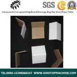 Бумажный картон двигает под углом предохранение от доски края