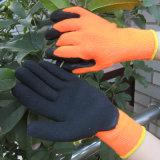 Isoler le gant de travail de sûreté de l'hiver de gants d'enduit de latex de doublure de couche