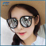 Glaces de Sun claires de lentille pour le cru Oculos de Sunglass de mode de femmes