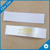 Impresión respetuosa del medio ambiente de la escritura de la etiqueta del satén blanco para la ropa