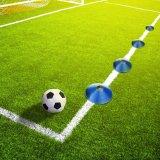 フットボールのサッカー競技場のマーカー