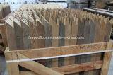Plancher gris-clair de parquet de Chevron de chêne balayé par fil