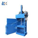 Les machines virtuelles10-6040 Emballage hydraulique verticale de la machine pour le recyclage des déchets