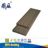 Decking contínuo plástico de madeira natural /Flooring do composto WPC apropriado para ao ar livre