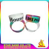 Le modèle personnalisé Debossed folâtre le bracelet de silicones de décoration, bracelet en caoutchouc de silicium