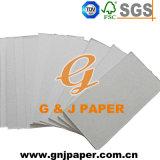 Chip gris de impresión en blanco en la hoja de verificación de la junta