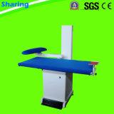 Tableau de finissage de vêtement pour le système de blanchisserie de nettoyage à sec