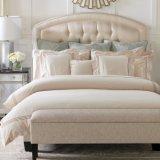 Ropa de cama de lujo hermosa del blanco de satén