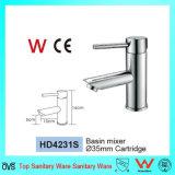 Nuevo mezclador del grifo del cuarto de baño de la cascada del grifo del diseño con la filigrana y Wels