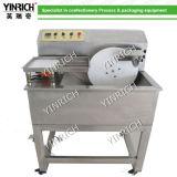 صغيرة [شوب-ين] يستعمل شوكولاطة يليّن [موولد] آلة