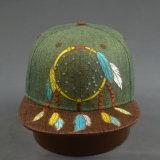Chapéu de borda plana de palha de folha de moda