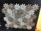 内壁の装飾のための灰色の木の白い大理石の花のモザイク