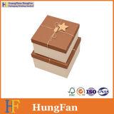 Rectángulo de regalo de papel del embalaje de la cartulina con el arqueamiento de la cinta