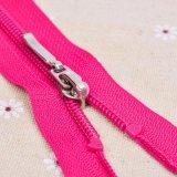 カスタマイズされた衣類によって編まれるジッパーの引き手、プラスチックジッパーの引き手