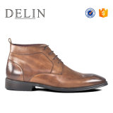 Delin人の熱い販売の革牛靴は靴を暖める