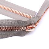 Zipper brilhante extravagante do metal dos dentes do milho do ouro de Europa para o vestuário luxuoso