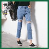 Jeans di modo del cotone di modo delle donne su ordinazione con la stirata