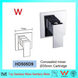 Plaza de la marca de agua de porcelana sanitaria de latón en la pared Mezclador de ducha (HD505D9).