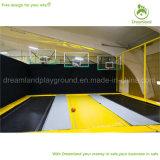 Parque comercial de interior de múltiples funciones grande del trampolín con las canchas de básquet