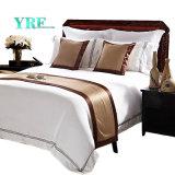 Yrf ha personalizzato gli insiemi di lusso 100% dell'assestamento della tela di base del re Size dell'assestamento del cotone dell'hotel