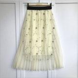 格子縞花の前部ボタンの無地の伸縮性があるウエストによってプリーツをつけられるスカート