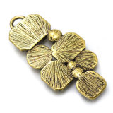 De kleurrijke Acryl Hangende Halsband van het Bergkristal van de Hars die van het Gieten van Legering wordt gemaakt
